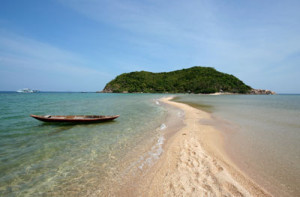 Great backdrop for learning to dive! Koh Ma from Mae Haad